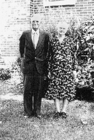 Bodie J. Higdon and wife Corrie Floyd Howell