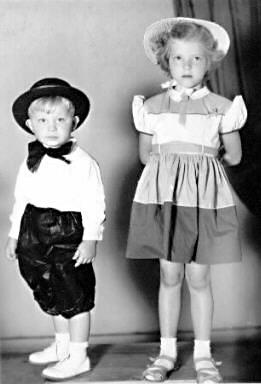 Denton Higdon Age Three Poses With Cousin Shirley Sluder 6